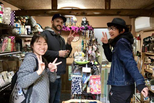 尾道観光ボランティアガイドの福山大生が、米国の大学からのゲストを観光案内!