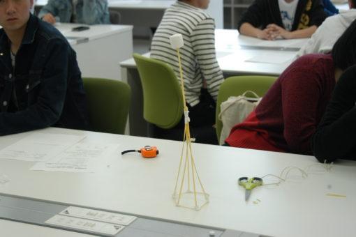 【建築学科】「マシュマロ・タワー」で学びをスタート!
