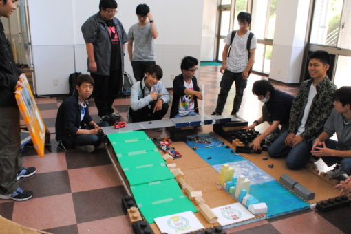 【スマートシステム学科】教養ゼミのロボコン製作で一致団結!