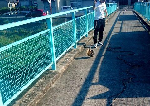 【スマートシステム学科】近隣河川で水流測定実験を実施中!
