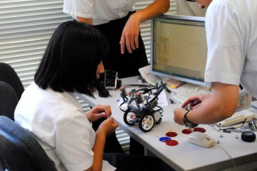 【スマートシステム学科】高大連携授業で自律移動ロボット作成!