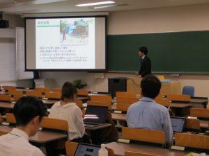 情報工学科4年 濱田さんの研究発表