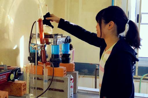 【生物工学科】2年生の片岡さんが福山大学ラオス醸造研修所で研修