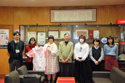 【薬学部・人間文化学部】シュメルツミッテルが学長室を訪問!