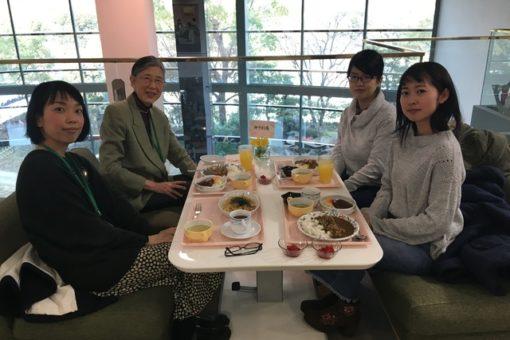 【メディア・映像学科】学生2人、松田学長と昼食会!