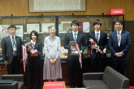 【剣道部】全日本大会出場報告に学長室を訪問!
