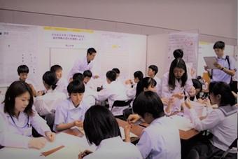 【薬学部】DNAストラップつくれます!高校生大行列!
