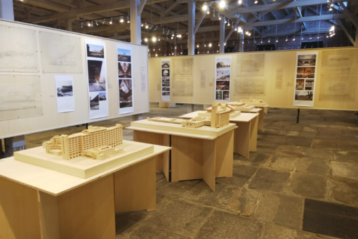【建築学科】建築家・浦辺鎮太郎の建築展に学生制作の作品模型が展示!