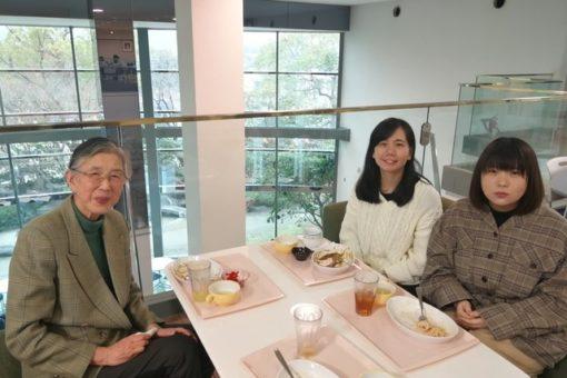 【メディア・映像学科】学生2名、松田学長と昼食会