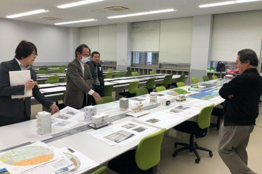 【建築学科】学年末の大仕事:「学年製図賞の審査」