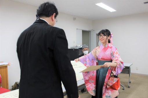 【福山大学】2019年度 学位記の受渡し