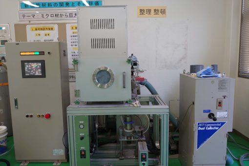 【機械システム工学科】エアロゾル化ガスデポジション装置が稼働しました!