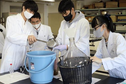 【生物工学科】中国ビジネス情報に生物工学科2年生安田君の記事が掲載されました