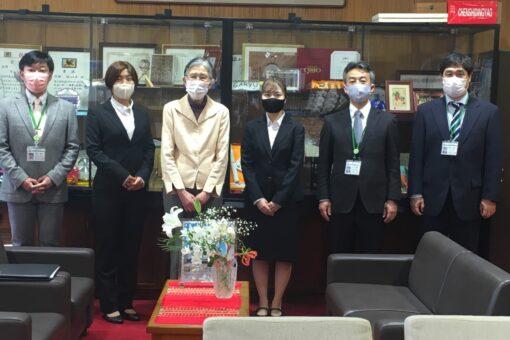 【海洋生物科学科】うれしい春をお届け♬~学長室訪問~